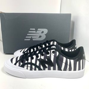 New Balance Street Style Sneakers new in box